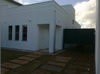 EasyQuarto BR - Divide-se casa - rua do IASP - Res. Flamboyant - RM Campinas, RM Campinas - R$450