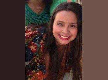 Maria Carolina  - 27 - Estudante