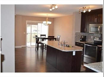 EasyRoommate CA - Great place to live - Calgary, Calgary - $1000