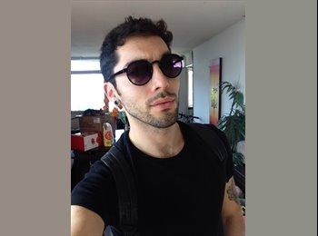 Francisco  - 26 - Estudiante