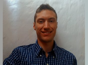 James - 24 - Profesional