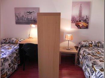 EasyPiso ES - Habitaciones en alquiler en espacioso piso - Sarrià-Sant Gervasi, Barcelona - €300