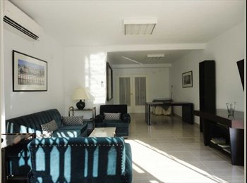 SPACIOUS ROOM WITH BATHROOM ENSUITE AND 40