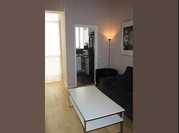 EasyPiso ES - 2 AVAILABLE ROOMS IN THE CITY CENTER - Valencia, Valencia - €300