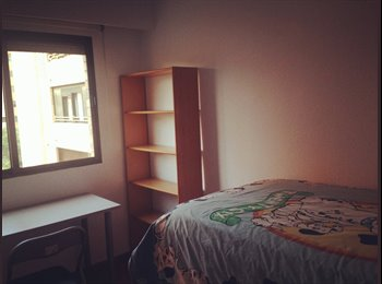 EasyPiso ES - cozy quiet safe room with convenient traffic - Benimaclet, Valencia - €180