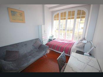 Double Chambre/Room proche Nice Etoile, Nice
