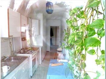 Appartager FR - A partager appart à Paris - 13ème Arrondissement, Paris - Ile De France - €400