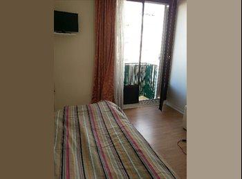 Appartager FR - COLOCATION DUNE CHAMBRE - Le Plessis-Robinson, Paris - Ile De France - €450