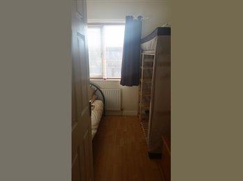 EasyRoommate IE - Single room - West Co. Dublin, Dublin - €400