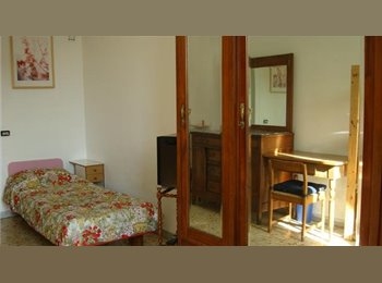 EasyStanza IT - Room for rent in the center of Rome - Esquilino S.Lorenzo, Roma - €540