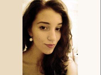Alina - 18 - Student
