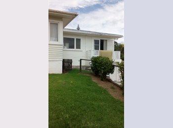NZ - room available now - Gate Pa, Tauranga - $160