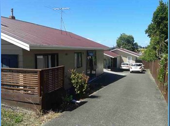 NZ - New Windsor; Tiverton Rd, 6+ bedrooms - Auckland, Auckland - $170