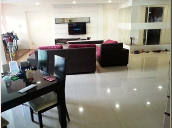 Common room in a spacious apartment for rent!