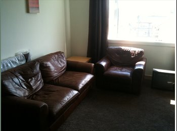 Great double room in west end flatshare