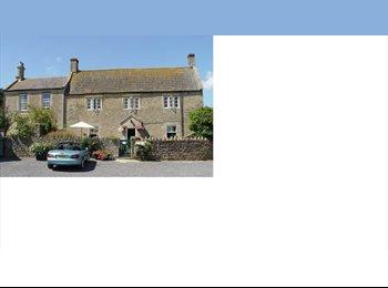 en suite double room on farm 8 miles south of Bath