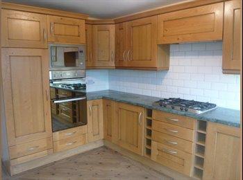 EasyRoommate UK - BEAUTIFUL DOUBLE INC BILLS. BT WiFi WKLY CLEANER - Newcastle-under-Lyme, Newcastle under Lyme - £430