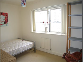 EasyRoommate UK - Double room with parking in Central Brighton. - Brighton, Brighton and Hove - £600