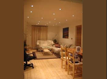 EasyRoommate UK - Double rooms in great friendly house share - Brentford, London - £600