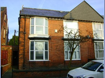 EasyRoommate UK - 1 bed fully furnished apartment - Bolton, Bolton - £390