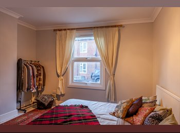 EasyRoommate UK - Newly Renovated, very close to centre, big rooms - Lincoln, Lincoln - £345