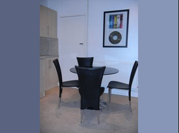 EasyRoommate UK - ONE DOUBLE BED ROOM TO RENT 4 BED FLAT IN CROOKES - Crookes, Sheffield - £275