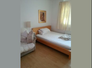 Large bright spacious modern clean double room