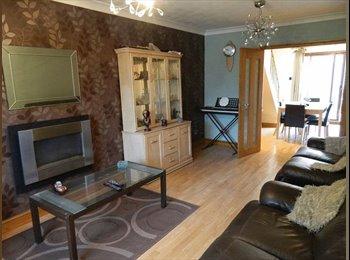 EasyRoommate UK - house share - Little Lever, Bolton - £400