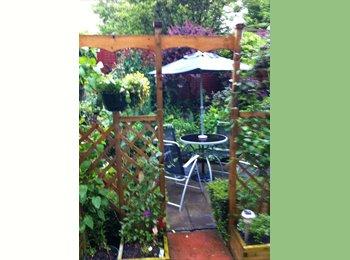 EasyRoommate UK - lUXURY HOUSE SWHARE-HOLMFIRTH - Kirklees, Kirklees - £375