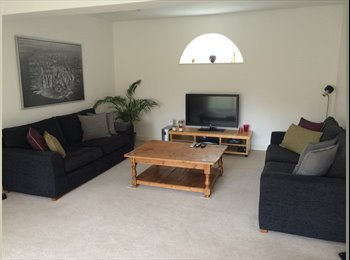 EasyRoommate UK - Stylish & spacious double bedroom-barn conversion - Shinfield, Reading - £650