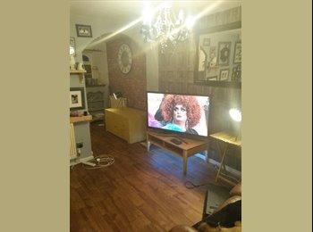 EasyRoommate UK - Tamworth large double bedroom - Wilnecote, Tamworth - £400