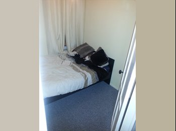 EasyRoommate UK - Immediate room to rent in Hazel Grove - Hazel Grove, Stockport - £350