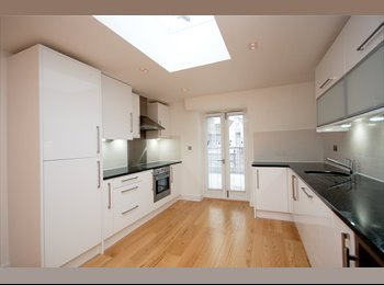 EasyRoommate UK - Large penthouse flat in Covent - Covent Garden and The Strand, London - £1300