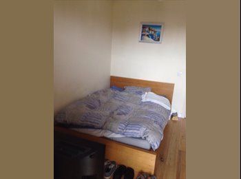 EasyRoommate UK - A nice double room in Elephant and Castle  - Elephant and Castle, London - £750