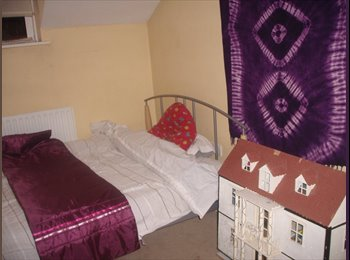 Room in Balham area, zone 3 near Tooting Bec park