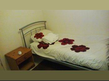 EasyRoommate UK - Light Single Room in Maisonette Flat - Clacton-on-Sea, Clacton-on-Sea - £300