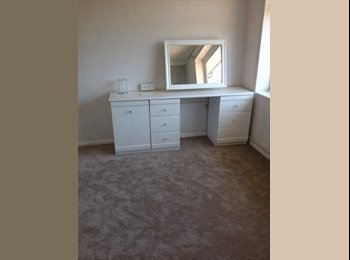 EasyRoommate UK - Newly decorated Apartment, Old Town, Eastbourne. - Eastbourne, Eastbourne - £368