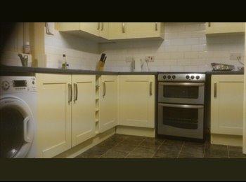 EasyRoommate UK - bedroom - Pontefract, Wakefield - £430