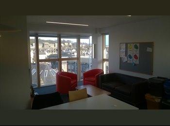 EasyRoommate UK - Single Room With a Seaview - Edinburgh Centre, Edinburgh - £500