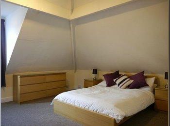 EasyRoommate UK - Double Room to Rent VERY CLOSE TO BRI - Heaton, Bradford - £350
