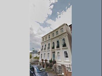EasyRoommate UK - Flat mate wanted in lovely building. - Cheltenham, Cheltenham - £470