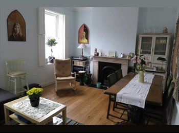 SHORT LET:2-bed garden flat, Camden/King's Cross