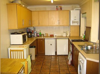 EasyRoommate UK - Lovely Double Room in a Conveniently Located House - Lancaster, Lancaster - £368