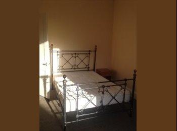 EasyRoommate UK - Beautiful Double Room - Large Living Space - Edinburgh, Edinburgh - £550