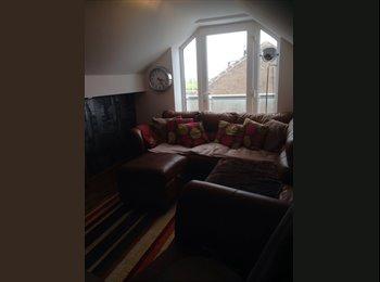 EasyRoommate UK - Fab loft conversion - Blackpool, Blackpool - £400