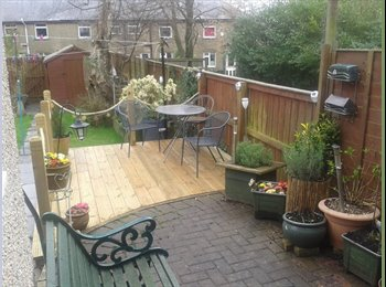 EasyRoommate UK - Cosy Double En Suite room with lovely sunny garden - Wibsey, Bradford - £350