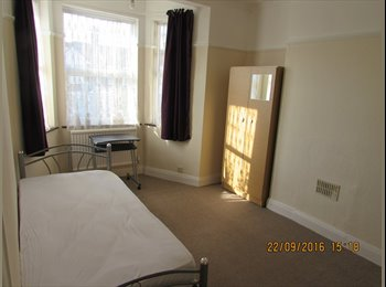 EasyRoommate UK - Ilford - Rooms to Let in Fully Refurbished House - Ilford, London - £550