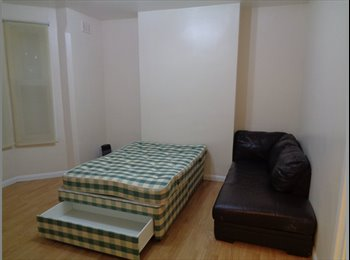 EasyRoommate UK - two cheap double bedroom in town. - Coventry, Coventry - £320
