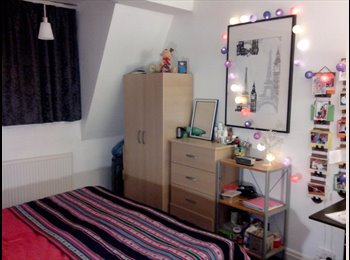 Spacious Warm fully furnished room  £160pw