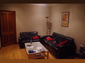 EasyRoommate UK - Shawlands – nice double room flat for sharing - Glasgow Centre, Glasgow - £263